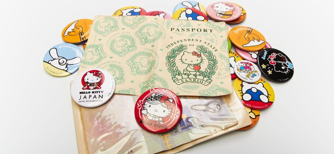 PORTA DOCUMENTI E SPILLE - REALIZZATI PER HELLO KITTY